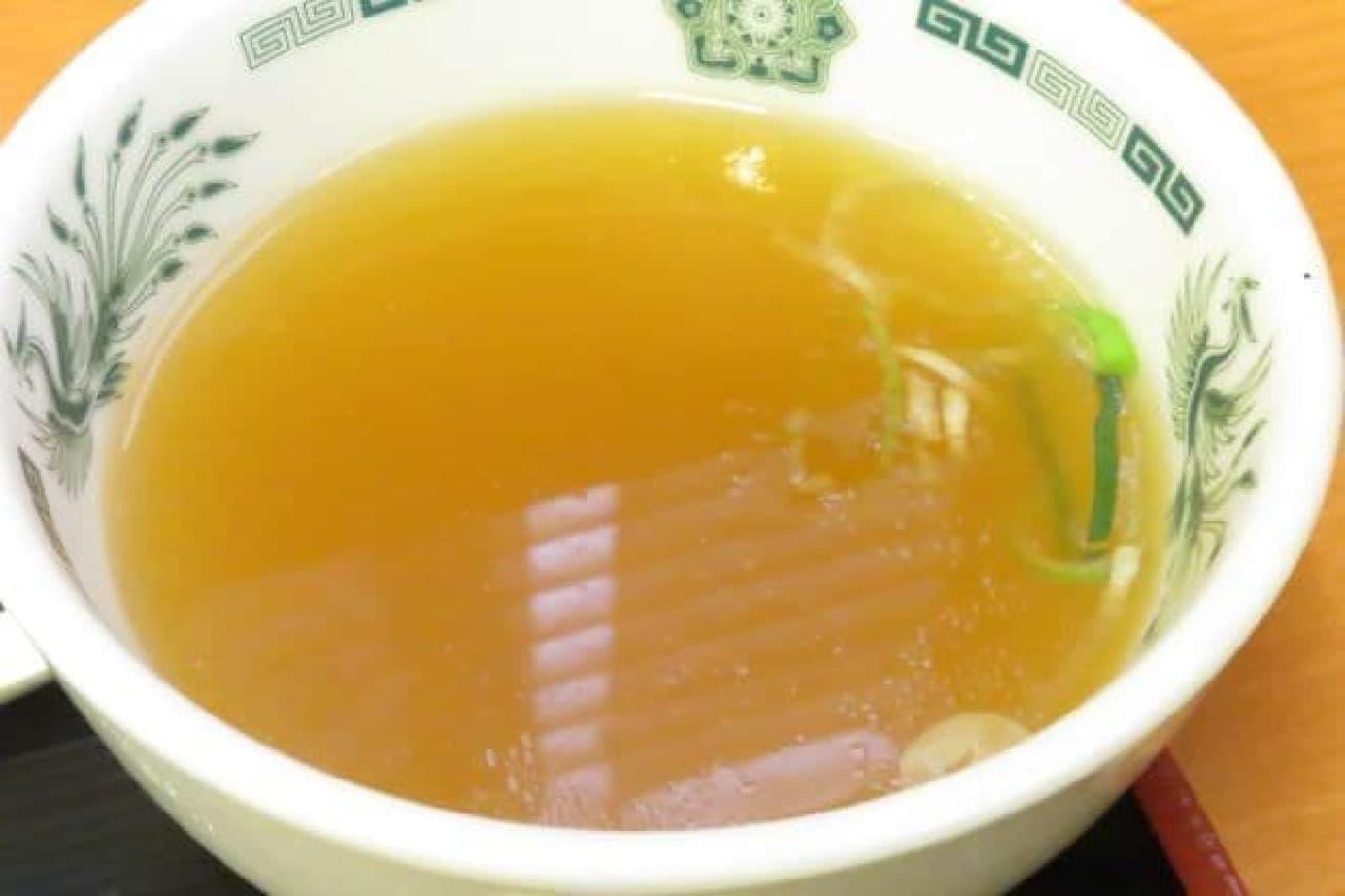 日高屋「バクダン炒め定食」の中華スープ