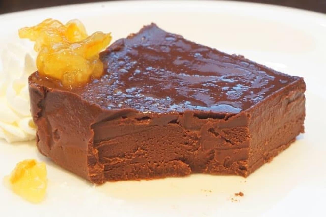 クイーンズコレクション「自家製生チョコケーキ」