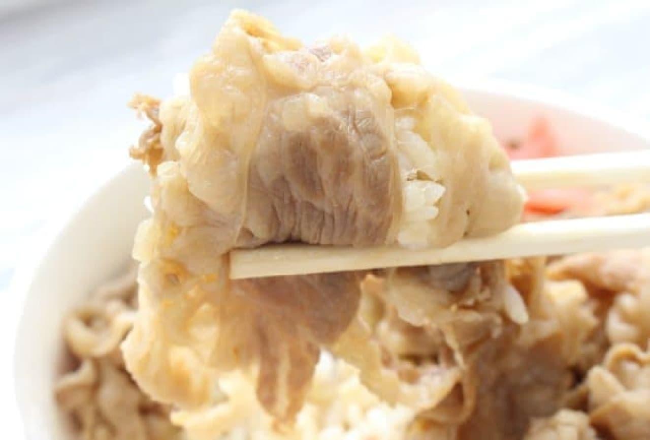 味つけは薄め。肉そのもののうまみや脂の甘みを引き出す仕立てです。