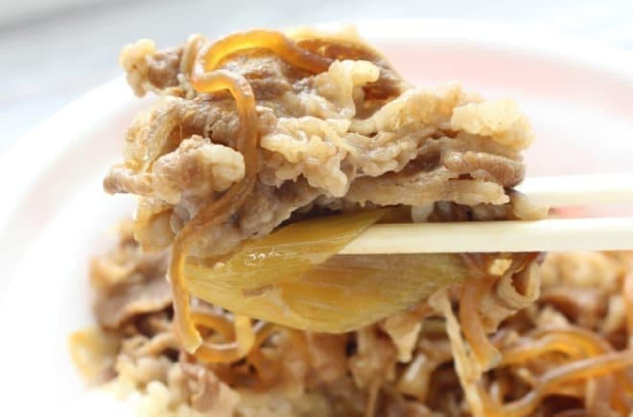 「吉野家」「松屋」「なか卯」「すき家」の牛丼を食べ比べ