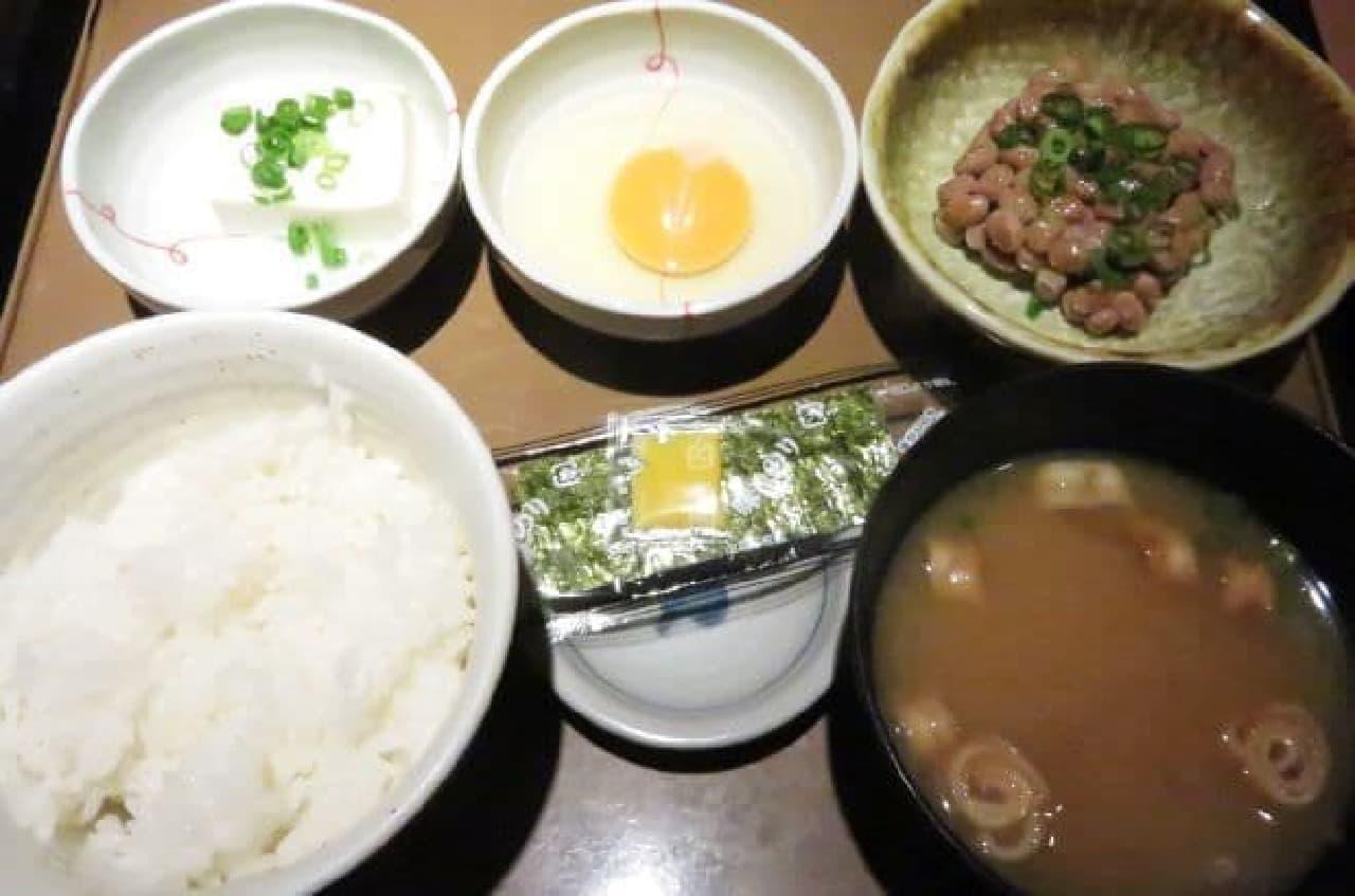 やよい軒の朝食「納豆朝食」