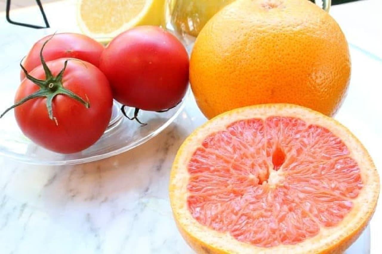 トマトとグレープフルーツとレモン