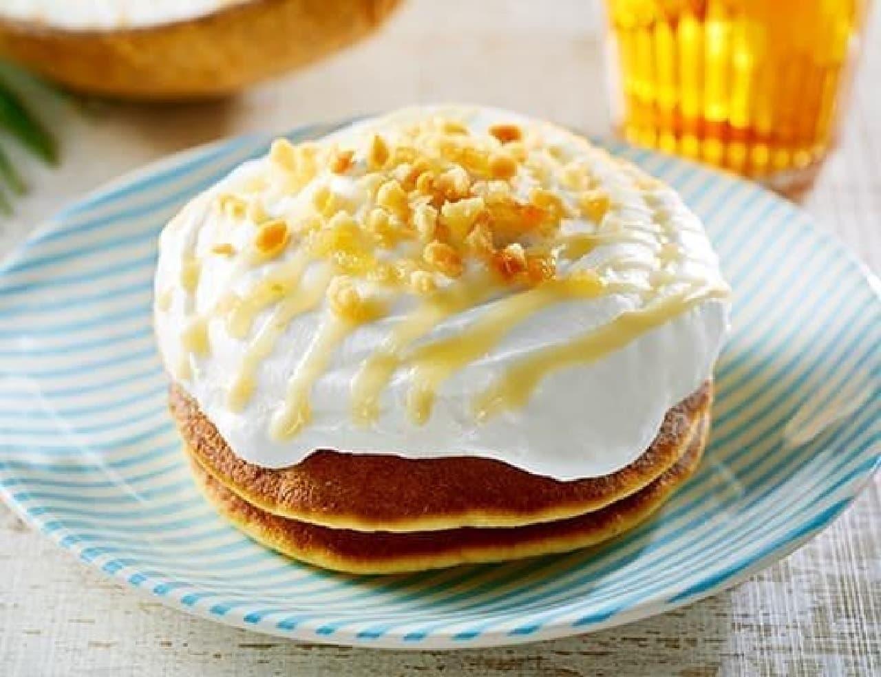 ローソン「ココナッツミルククリームのパンケーキ」
