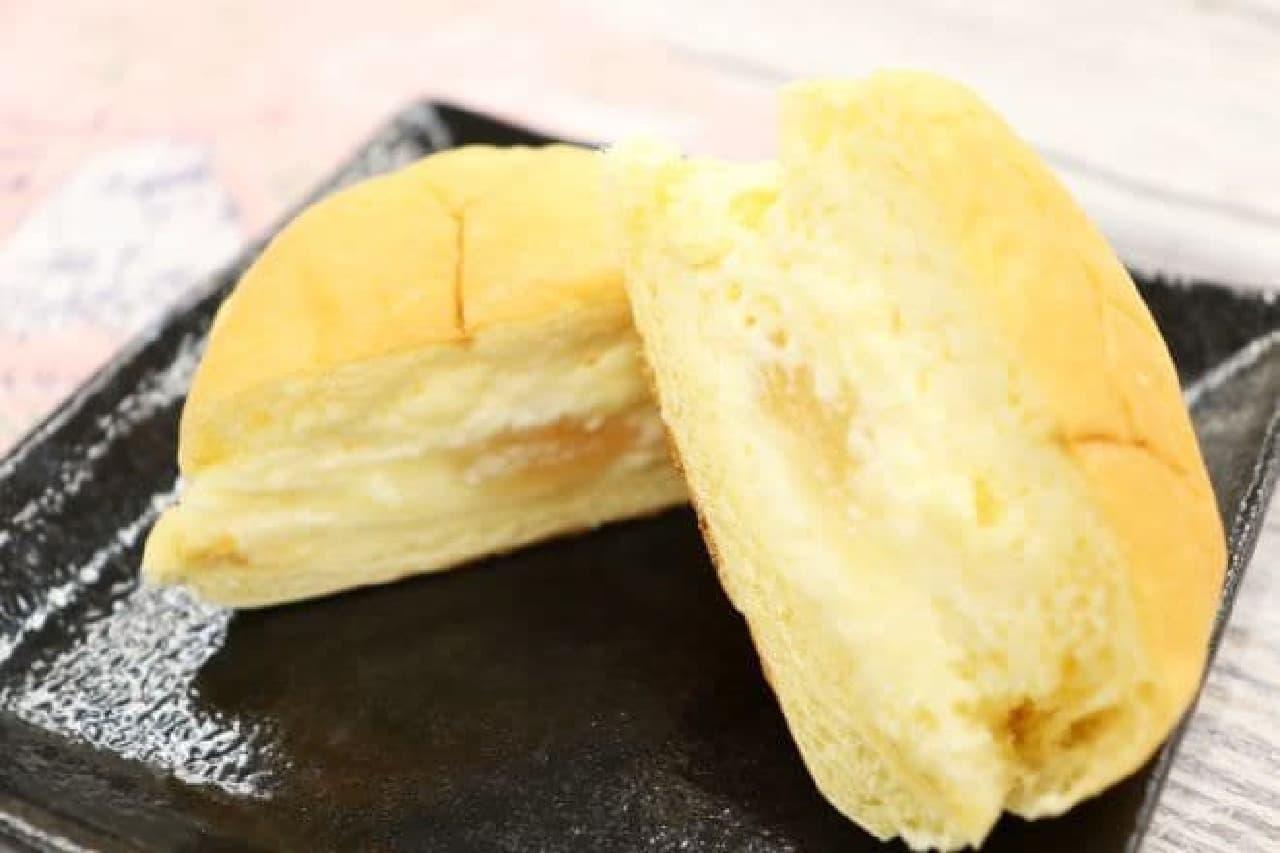 八天堂「ムーミンくりーむパン ももとくりーむ」
