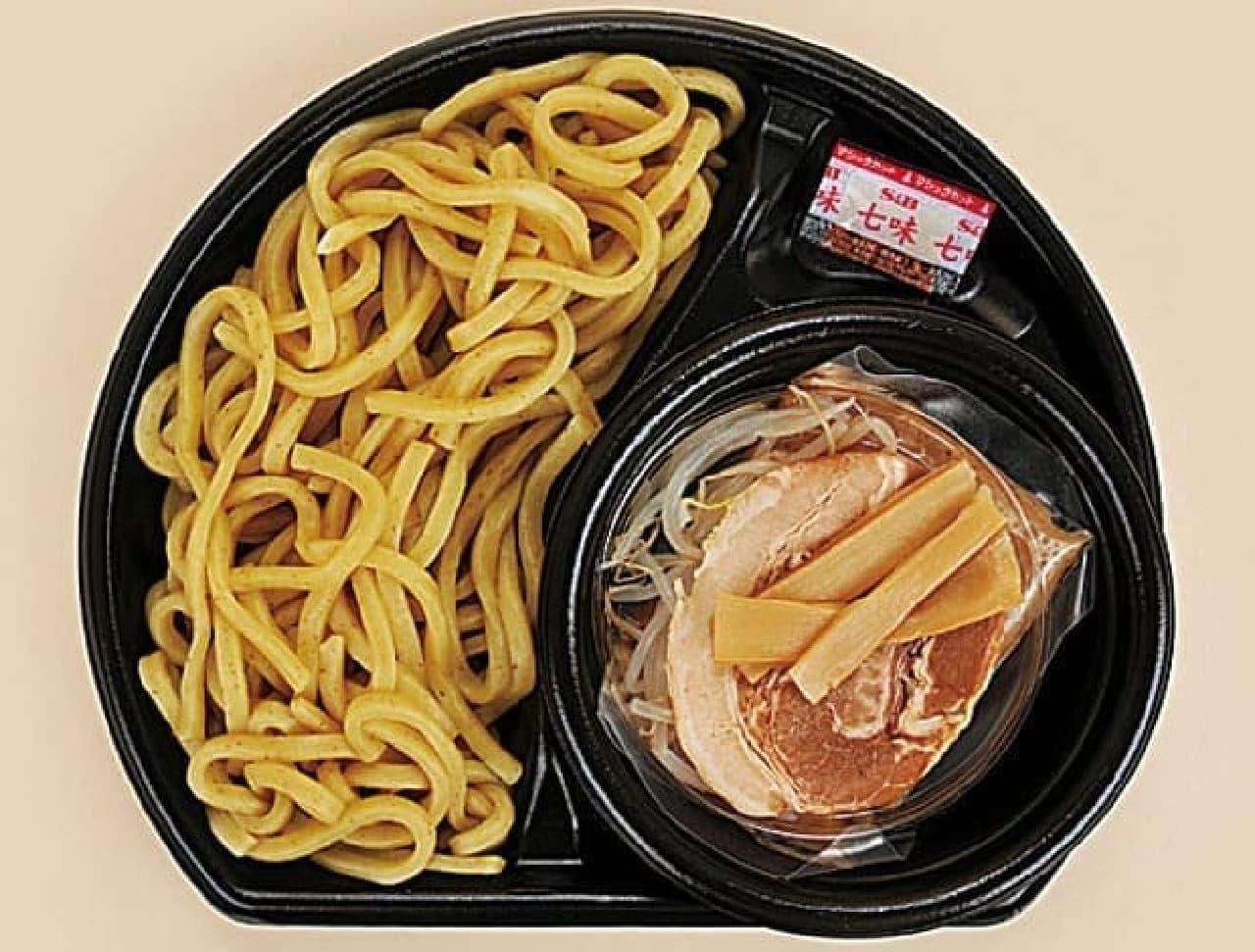 多加水麺を使った冷やし麺
