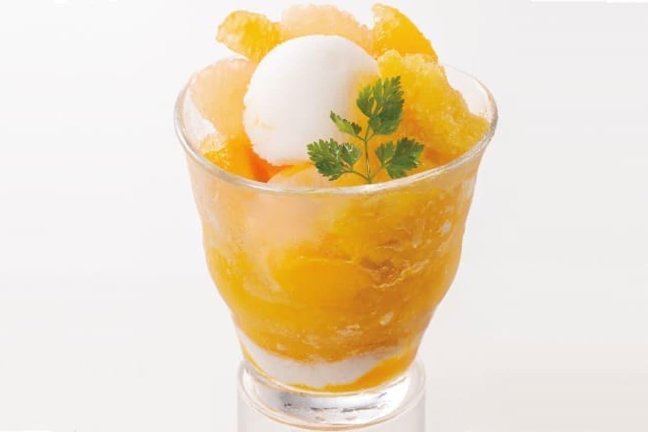 オリーブハウスの「マンゴーのカキ氷風 2種のシャーベットとフルーツ添え」