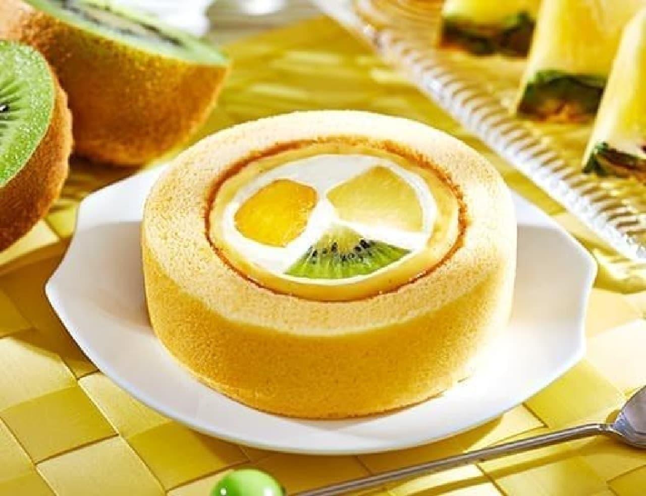 ローソン「プレミアム フルーツロールケーキ」