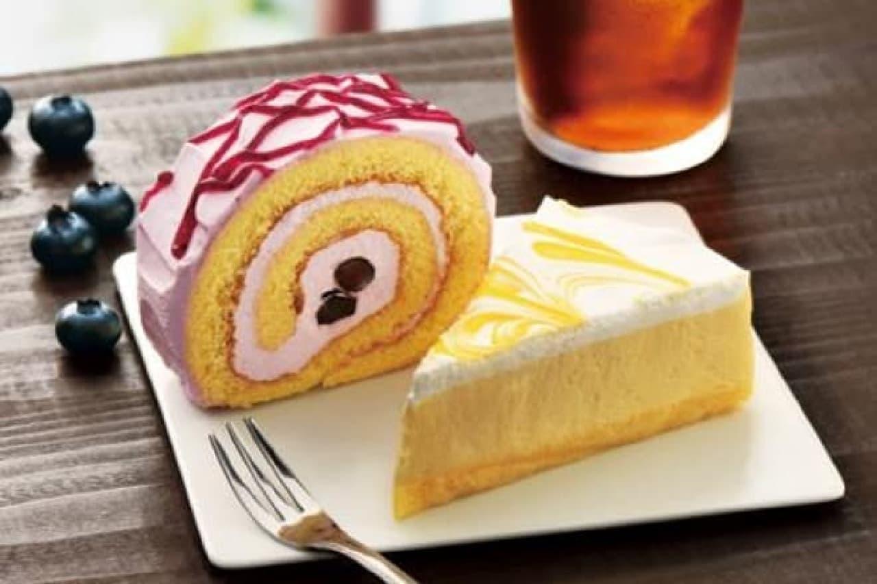 カフェ・ド・クリエに「ブルーベリーロールケーキ」と「オレンジムースケーキ」