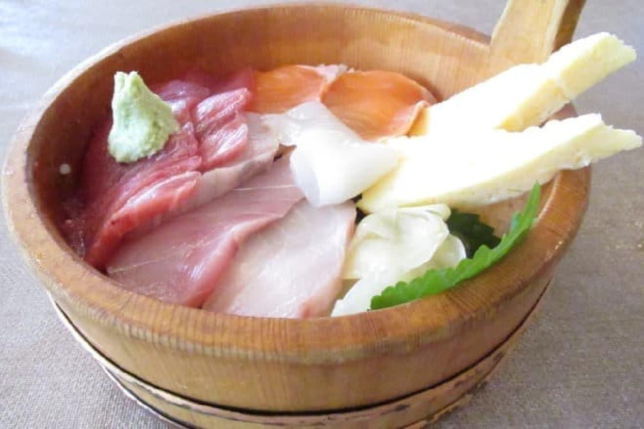 ネプチューンの「海鮮ネプチューン丼」