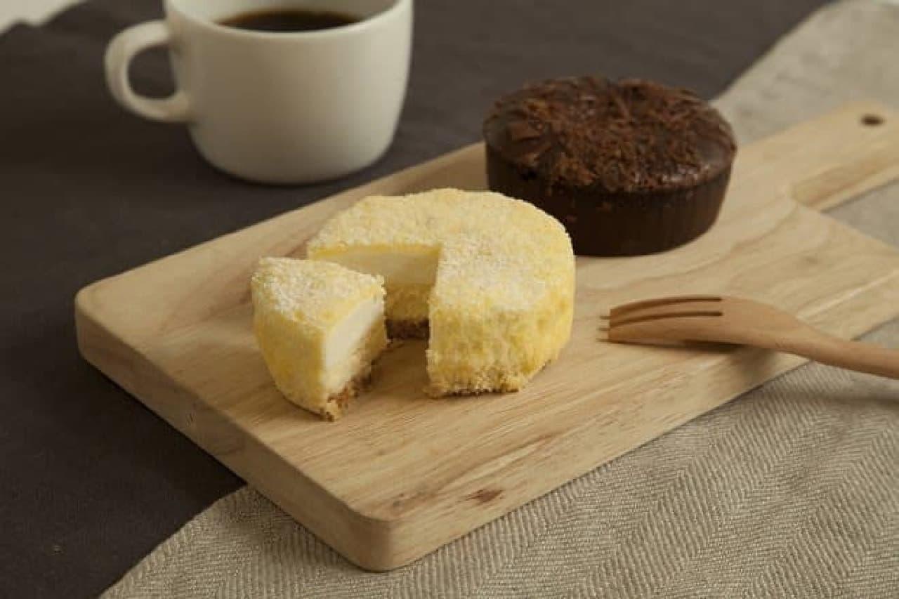 無印良品「2層仕立てのチーズケーキ」と「ガトーショコラ」