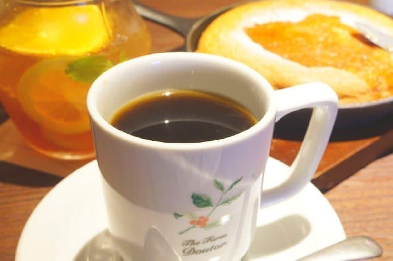 ドトール珈琲農園のコーヒーとパンケーキ