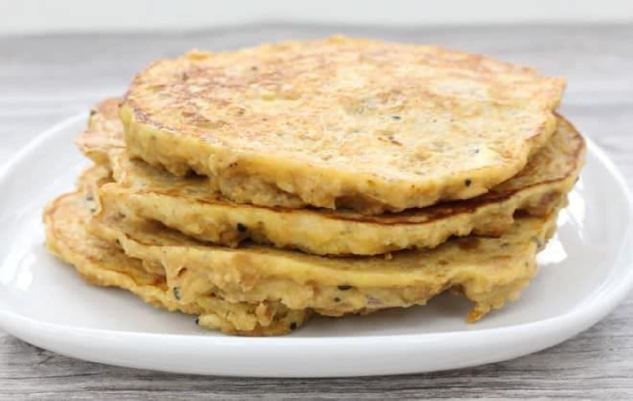 """""""乾パン""""で作るホットケーキのレシピ"""