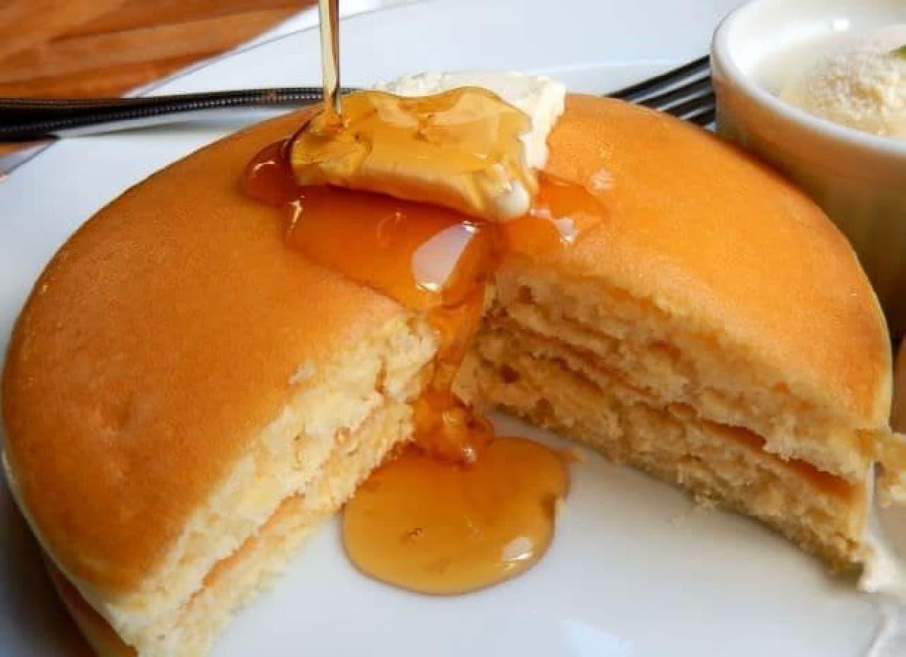 横浜チルルコーヒーの「銅板パンケーキ」