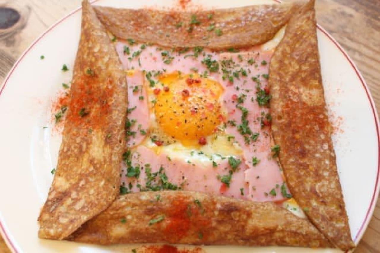 ガレットリア「ハム・卵・チーズのそば粉のガレット」