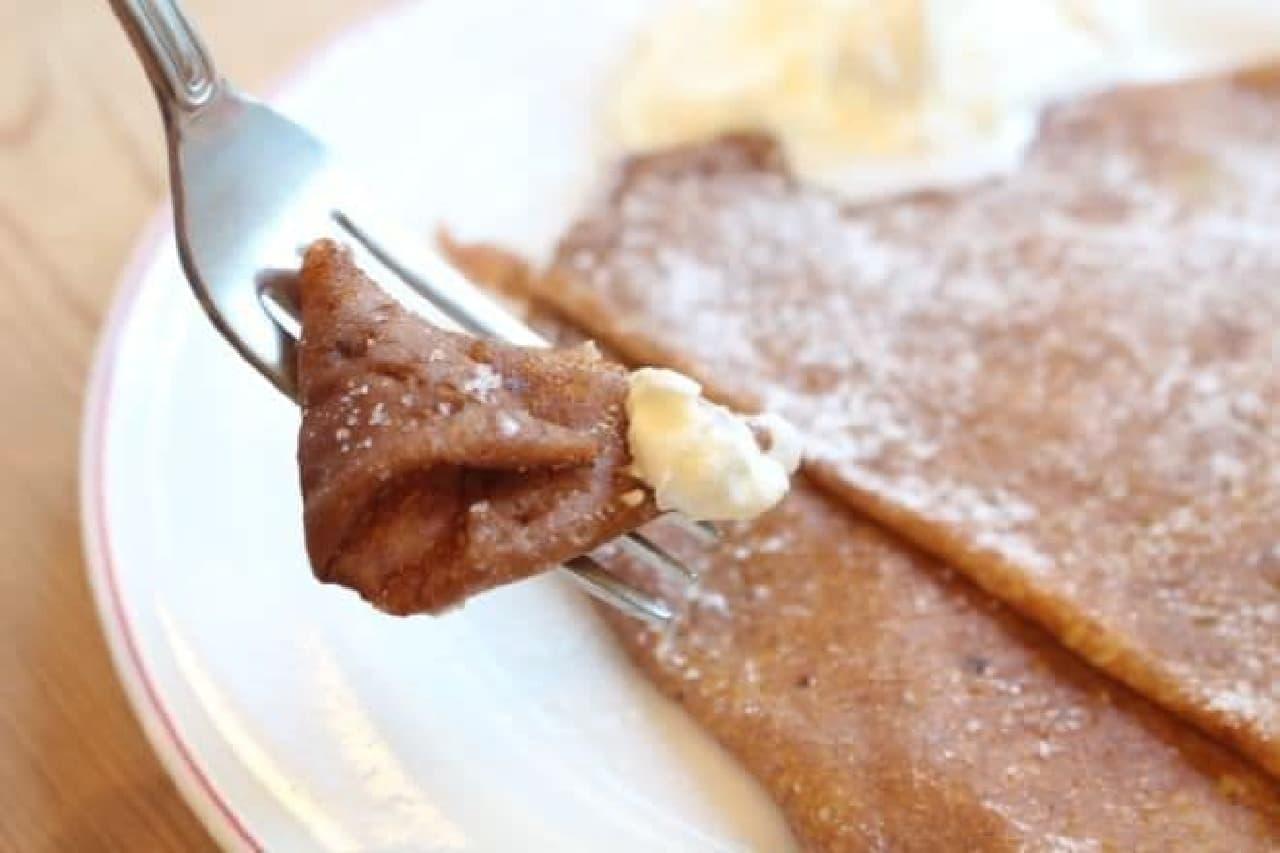 ガレットリア「デザートクレープの生クリームと砂糖」