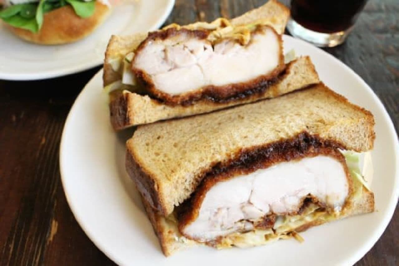 nemo bakery&cafeの「チキンカツサンド」