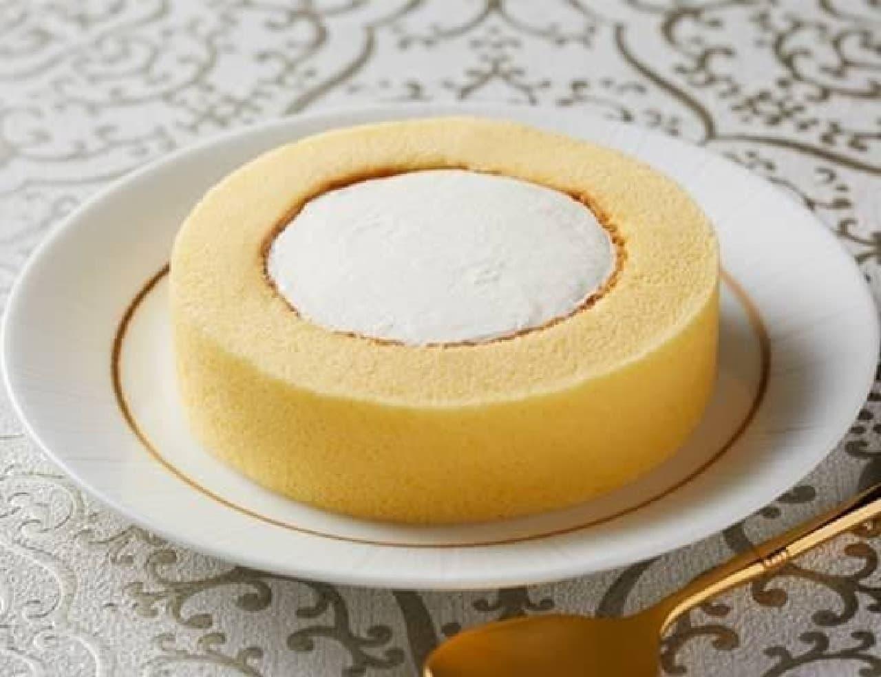 ローソン「プレミアムロールケーキ」