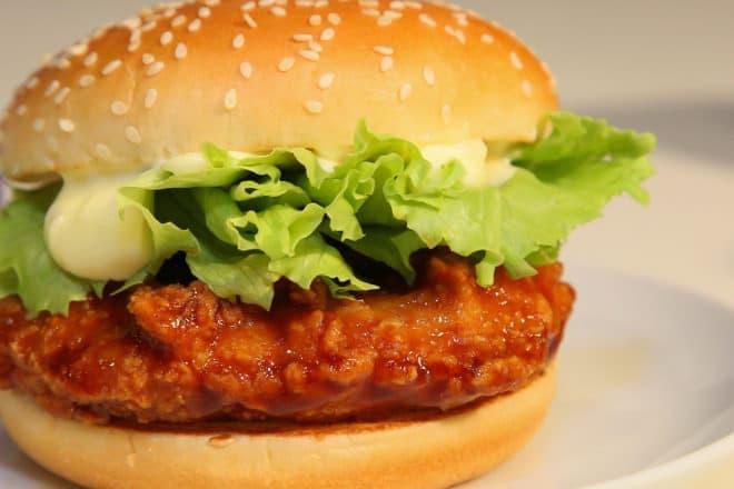 マクドナルドの新レギュラーメニュー「てりやきチキンフィレオ」