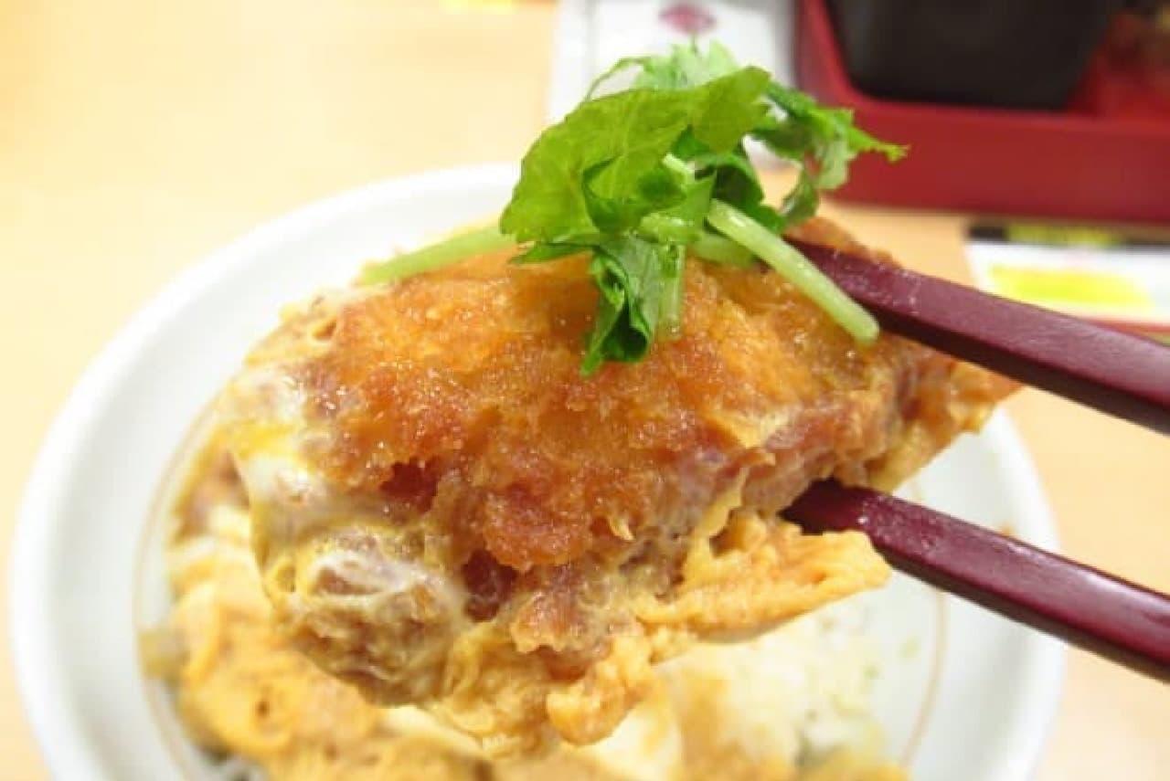 なか卯「牡蠣とじ丼」