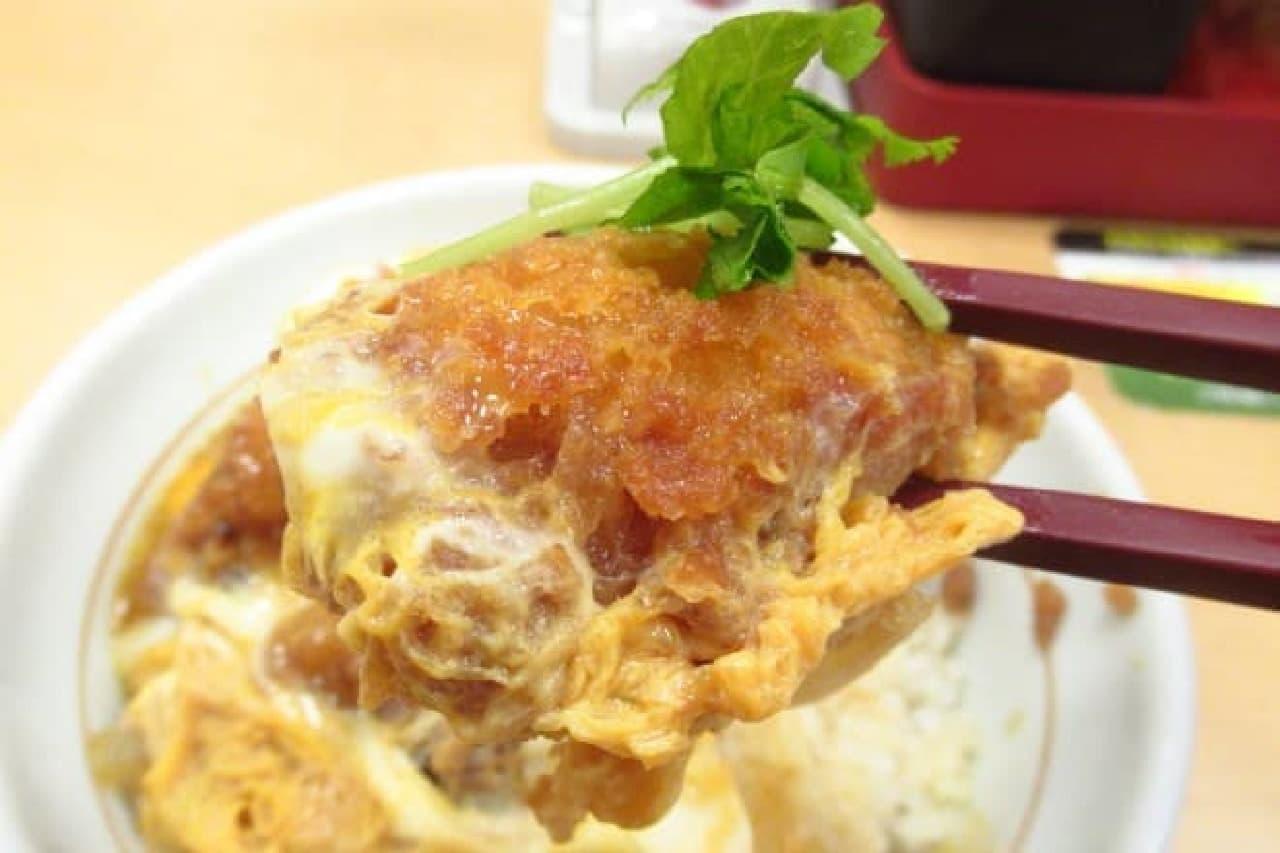 なか卯の「牡蠣とじ丼」