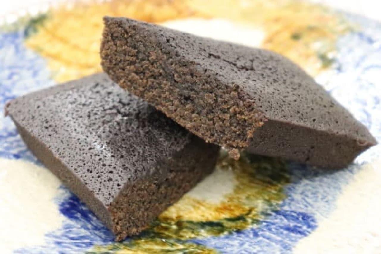 上島珈琲店の「黒焙じ茶フィナンシェ」