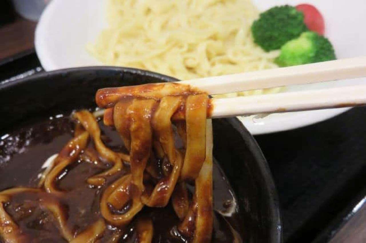 三ツ矢堂製麺「濃厚ビーフシチューつけめん」