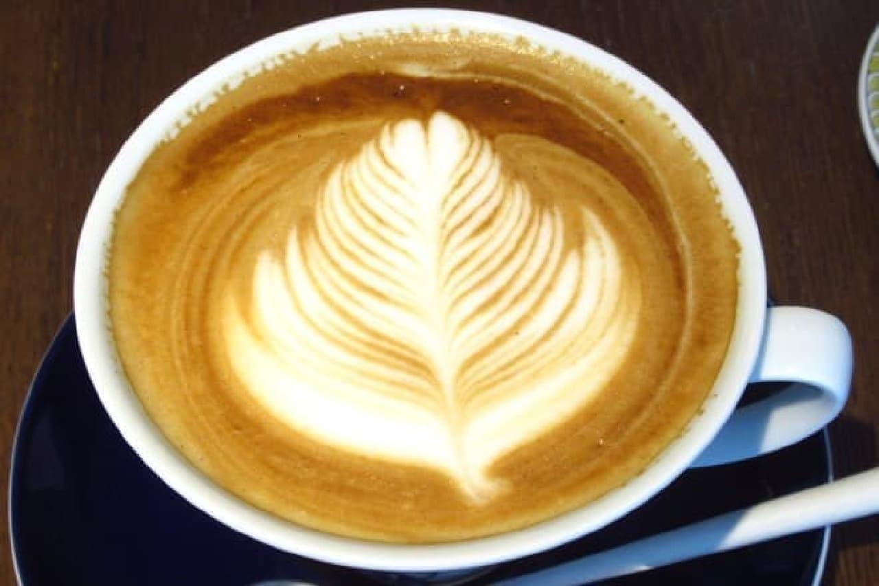 ラテアートが美しいカフェラテ