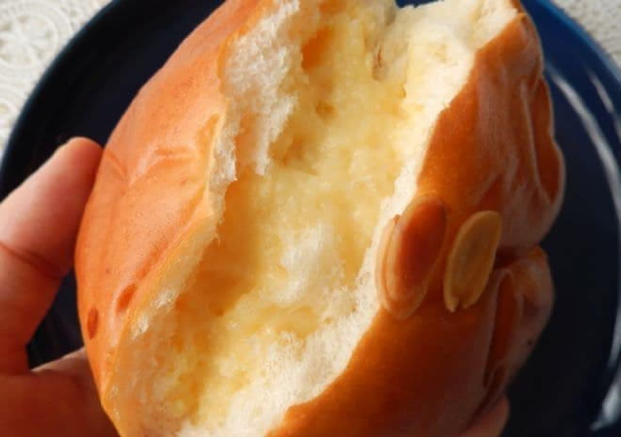 紀ノ国屋のあんぱん、クリームパン、クロワッサン、メロンパン