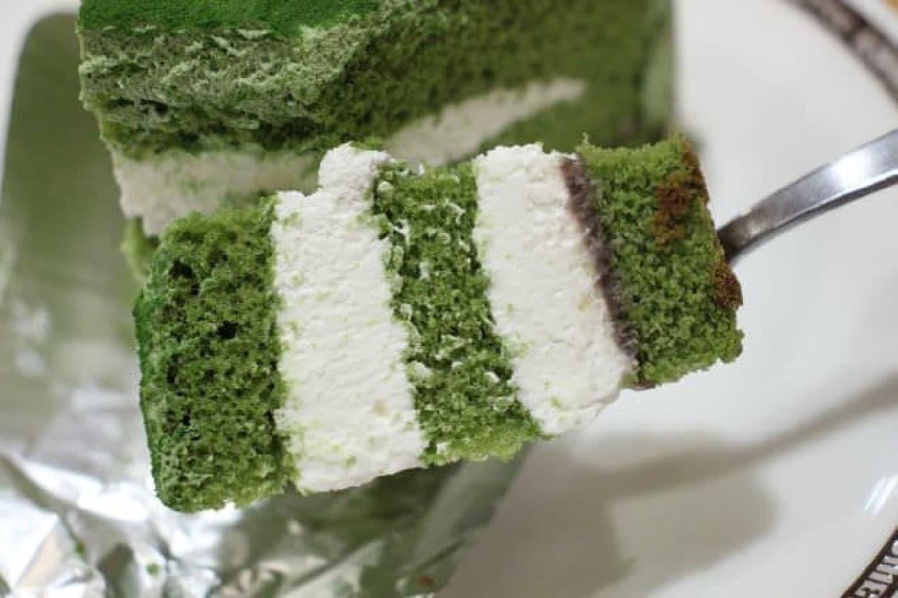 コメダ珈琲店「抹茶とクリームチーズのケーキ」