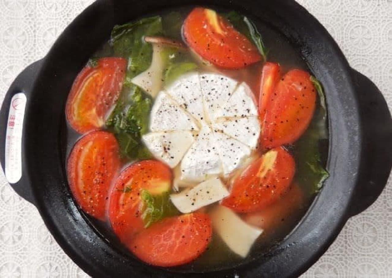 チーズ丸ごと煮込んだ「カマンベールチーズ鍋」
