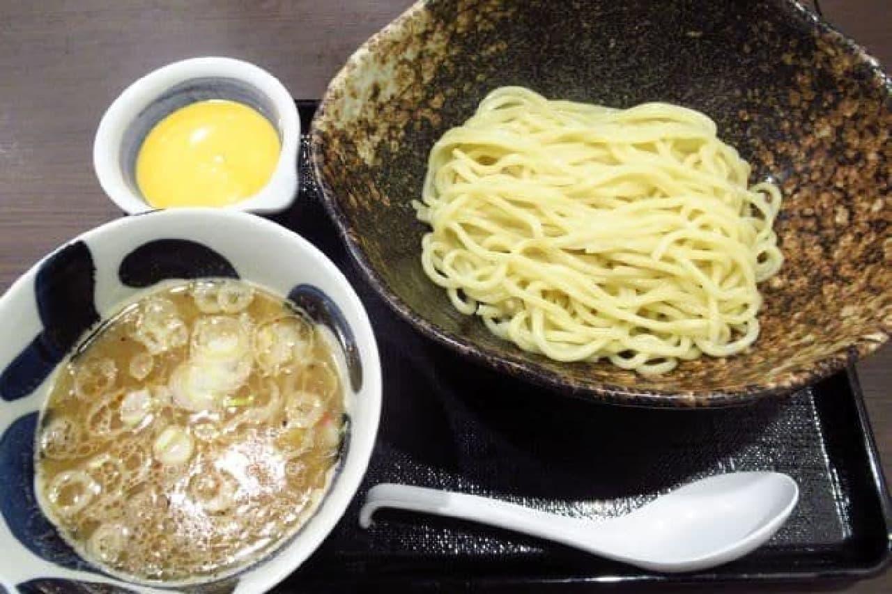 三ツ矢堂製麺「濃厚チーズソースつけめん」