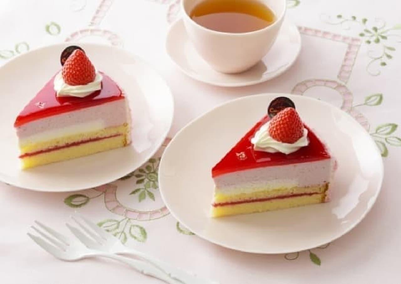 銀座コージーコーナー「濃厚苺のムースケーキ」