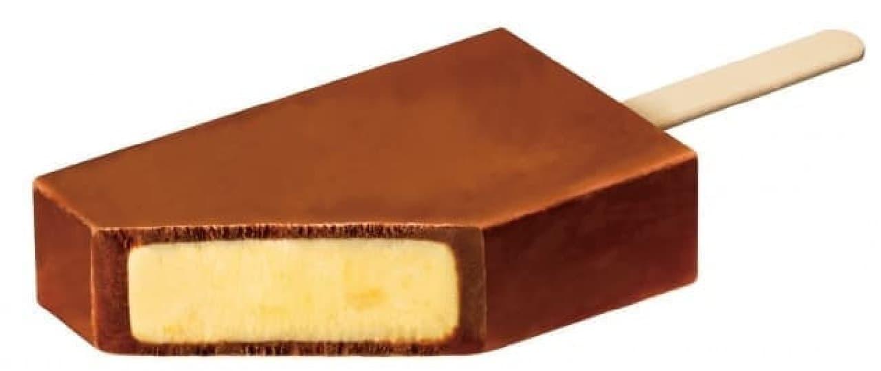 赤城乳業と不二家がコラボレーションした「LOOKチョコレートアイスバー バナナ」