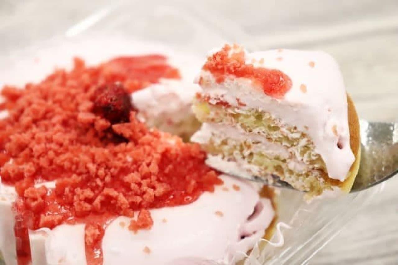 ローソン「いちごクリームのパンケーキ」