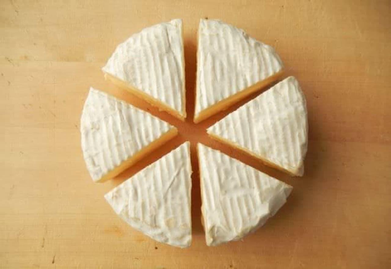 カマンベールチーズを丸ごと使った「炙りカマン」のお酒が進むレシピ