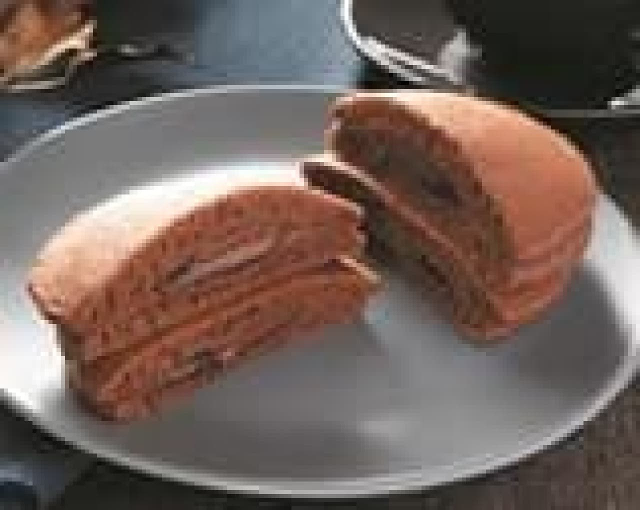 ローソン「ヘーゼルナッツチョコのもちっとパンケーキ 2個入」