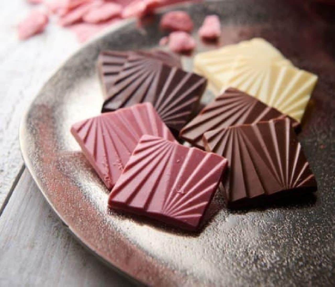 シャトレーゼ「カカオを愉しむチョコレート ルビーチョコレート入」