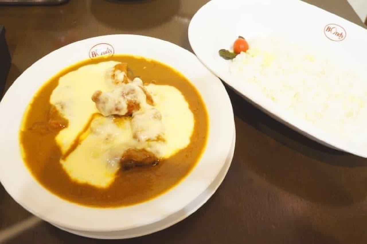欧風カレー ボンディのチーズのせ「チキンカレー」