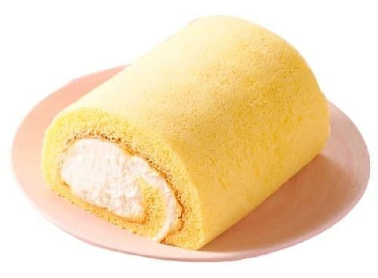 セブン-イレブン「北海道産クリームのふんわりロールケーキ」