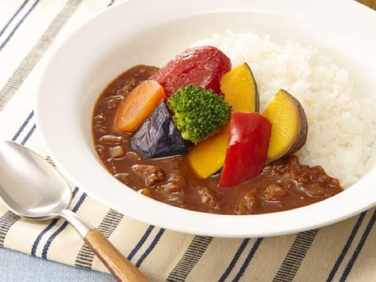 セブン-イレブン「1/2日分の野菜!ごろっと野菜カレー」