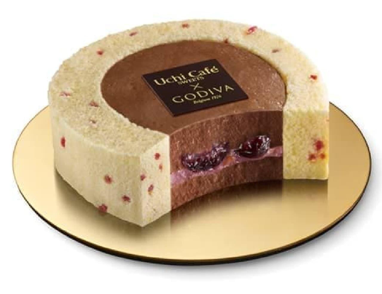 ローソン「Uchi Cafe×GODIVA チェリーショコラロールケーキ」