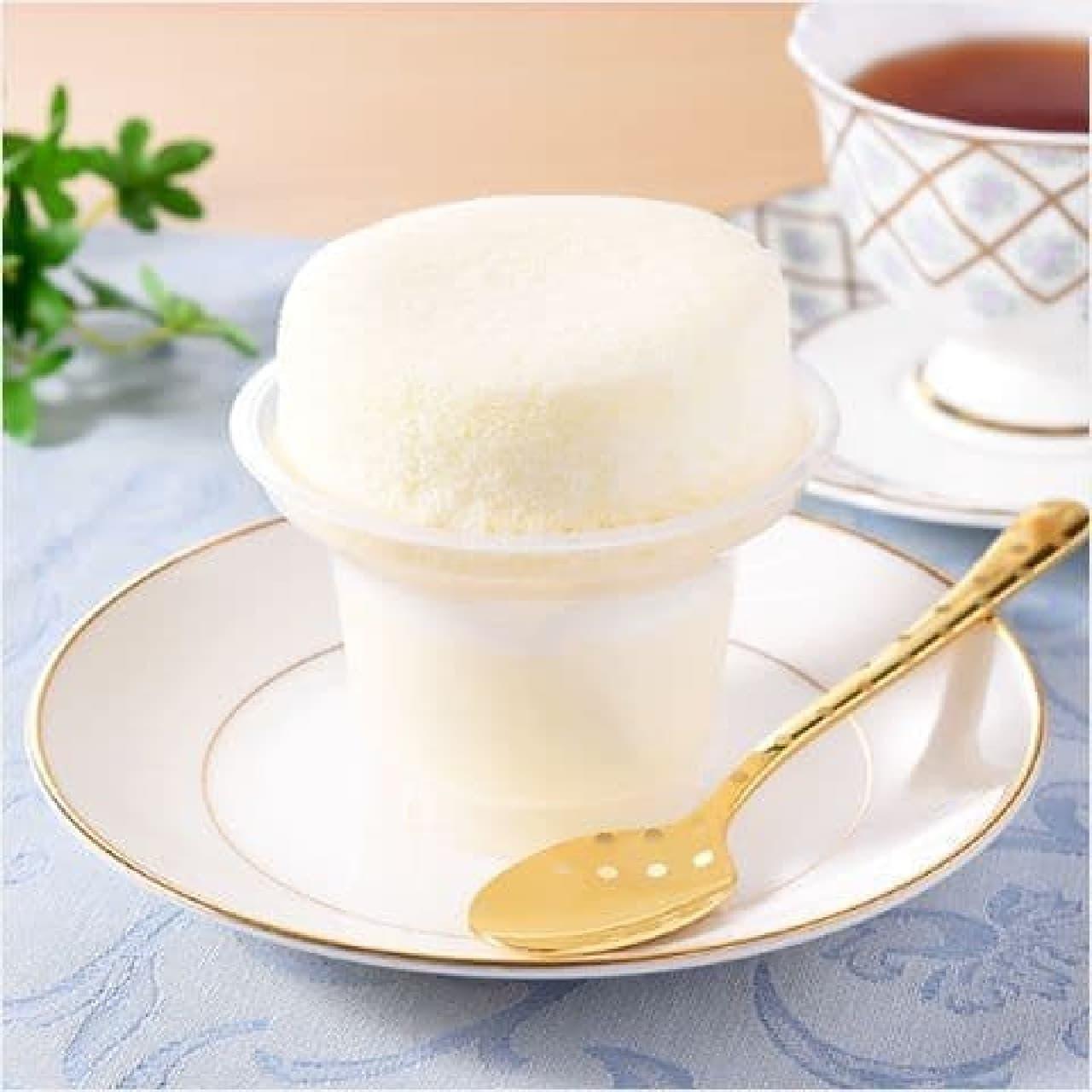 ファミリーマート「まっ白ミルクのスフレ・プリン」