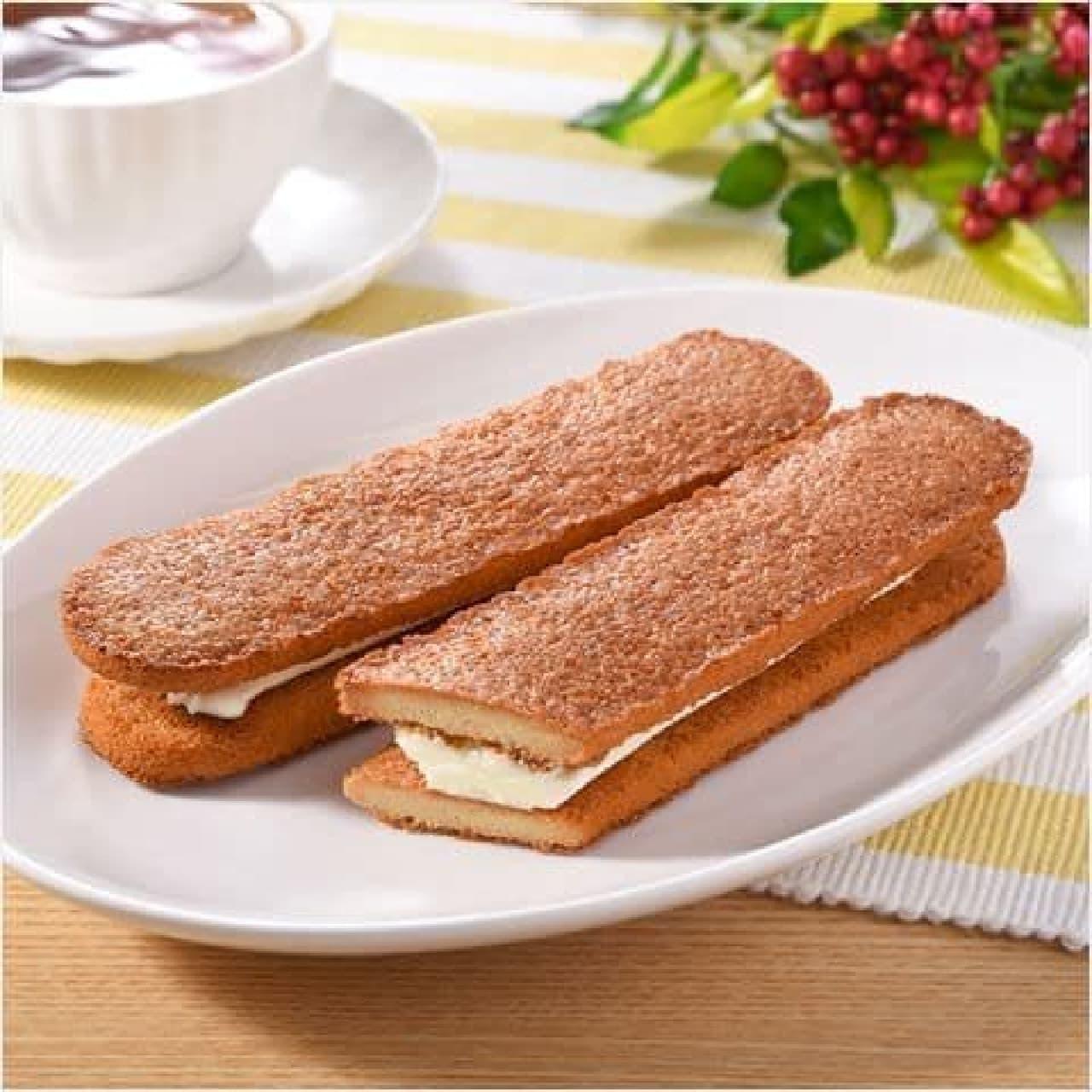 ファミリーマート「香ばしいクッキーのクリームサンド(キャラメル)」
