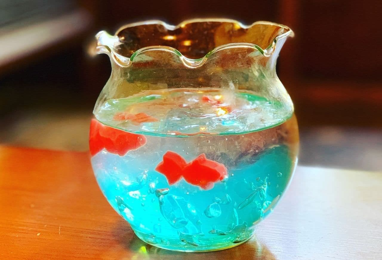 「金魚ゼリーソーダ」が、古民家をリノベートした和カフェに