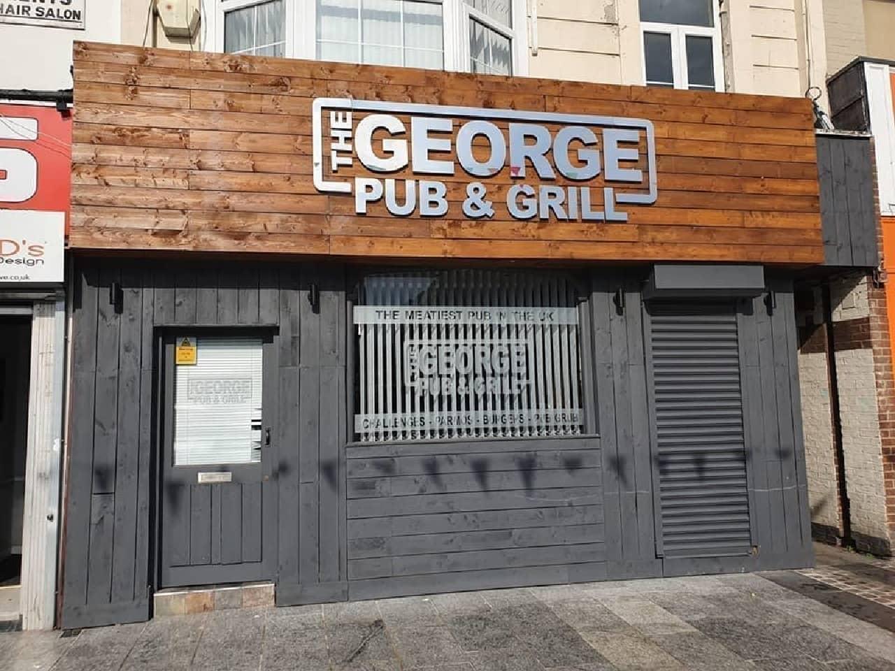 英国のパブ「ジョージパブ&グリル」