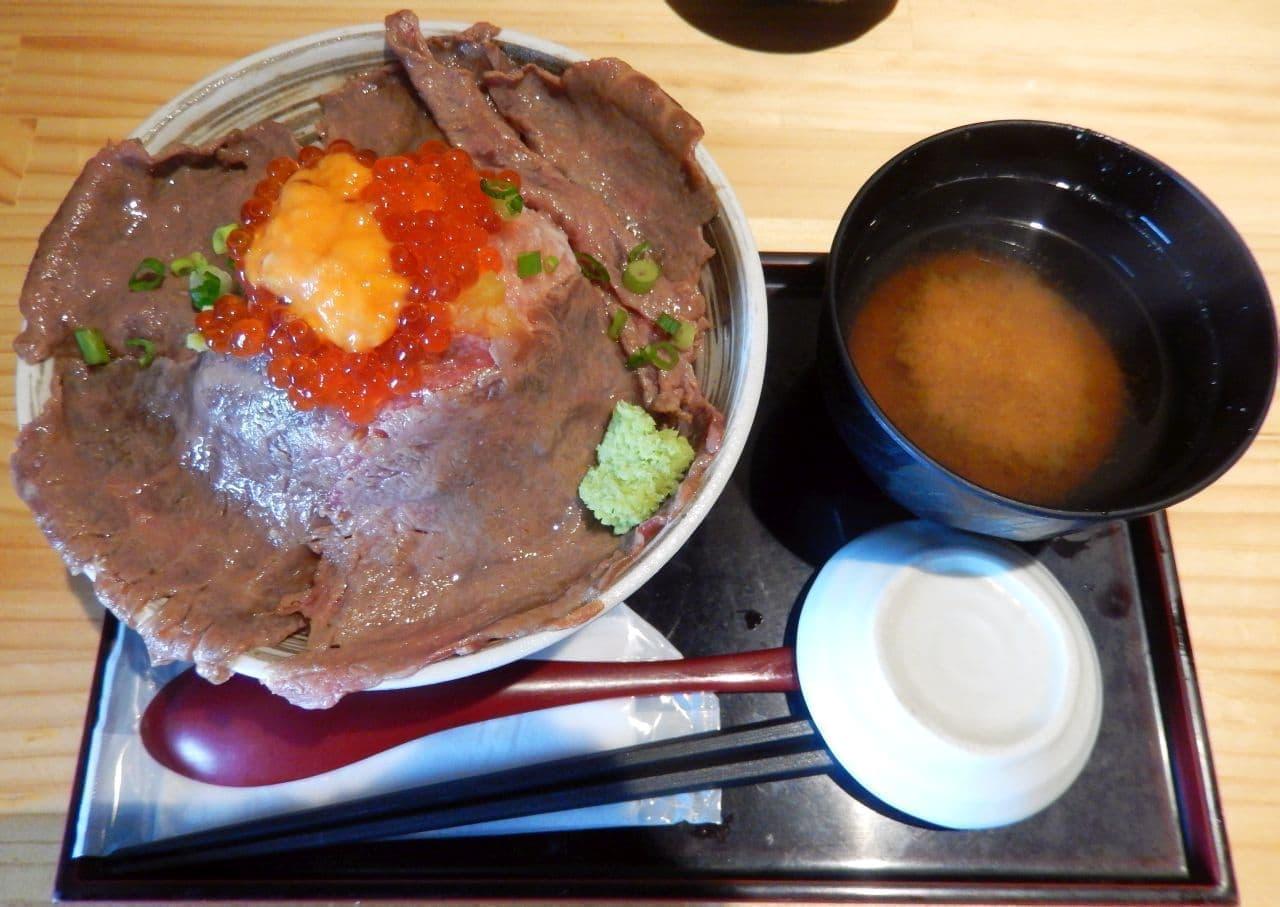 吉祥寺 肉ドレス海鮮丼