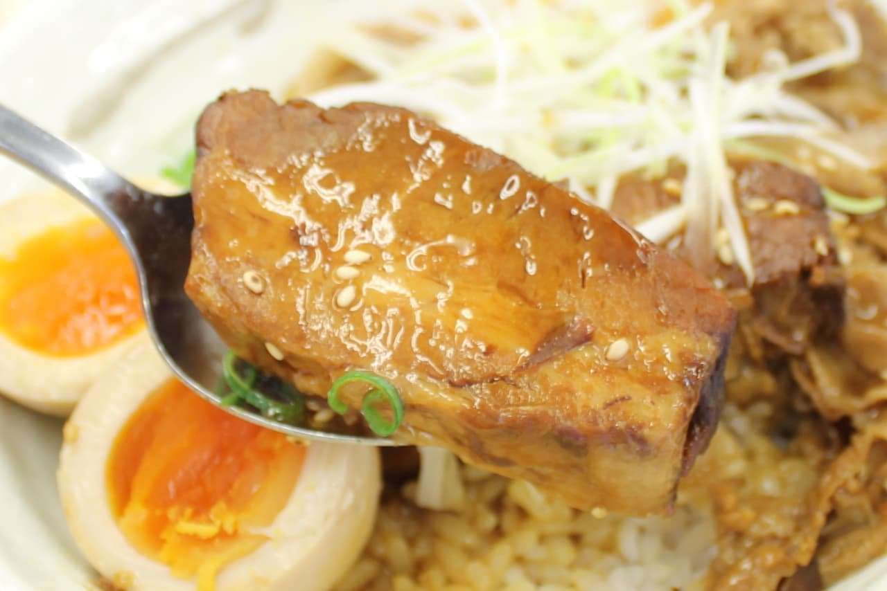 松屋の期間限定メニュー「牛と味玉の豚角煮丼