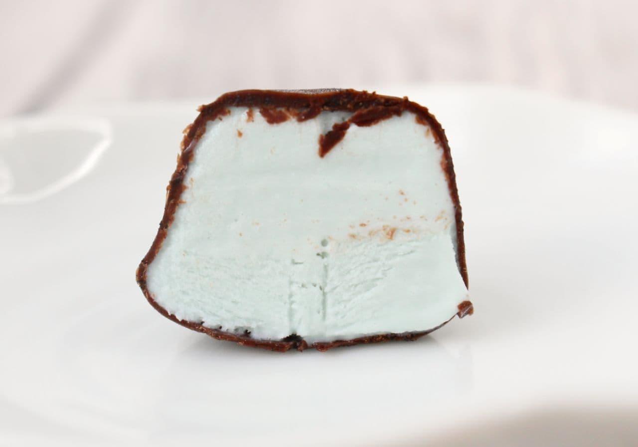 シャトレーゼのアイス「デザートショコラボール」