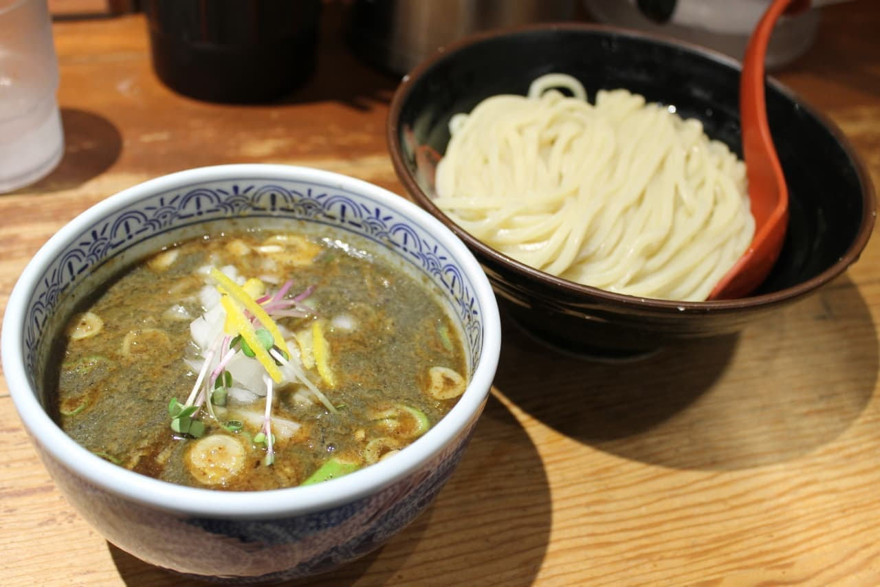 三田製麺の期間限定「特濃煮干しつけ麺」