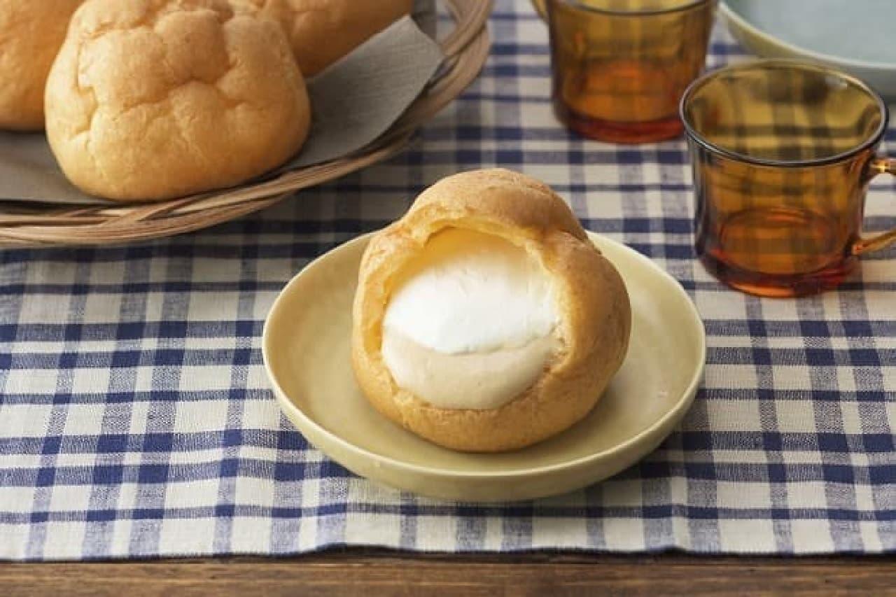 銀座コージーコーナー「ジャンボシュークリーム(チーズティー)」